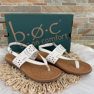 B.O.C. CLEARWATER SANDAL IN WHITE SZ 9 NEW IN BOX